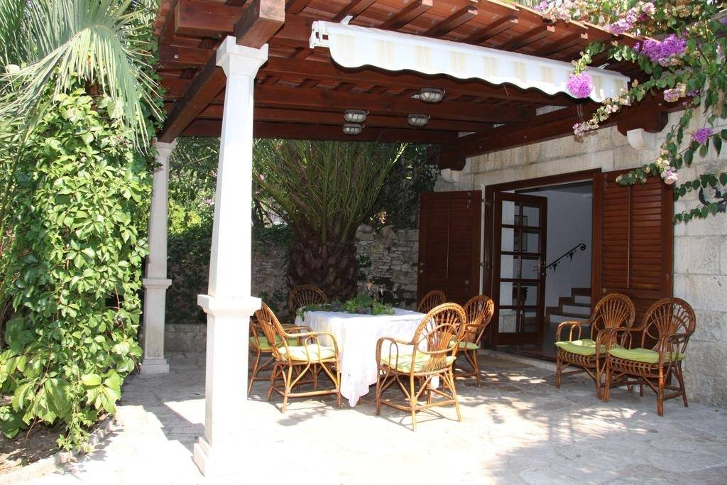 Apartmani Davor - relaxing and great location hous, Sutivan - Otok Brač
