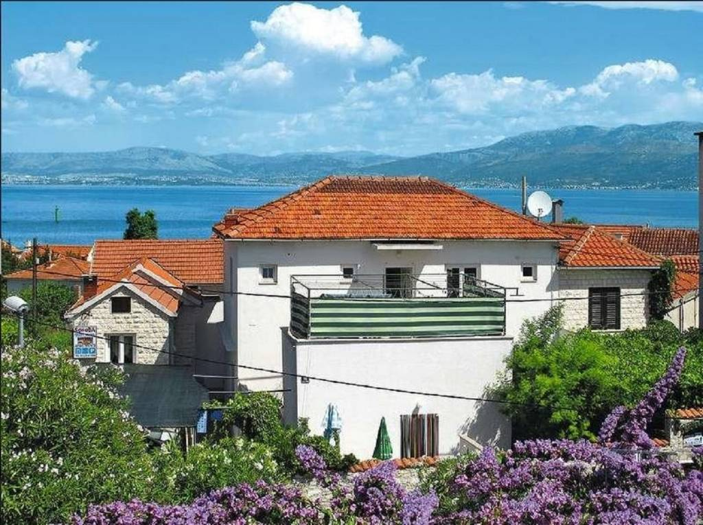 Apartmani Adel - 70 m from beach:, Supetar - Otok Brač